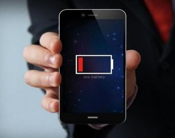 Batteria a lunga durata smartphone: l'Inghilterra brevetta quella a idrogeno