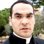 parroco dichiara verginità a messa