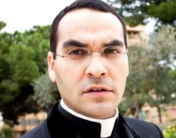 """Cagliari omelia shock, il prete sull'altare: """"Sono vergine e posso dimostrarvelo"""""""