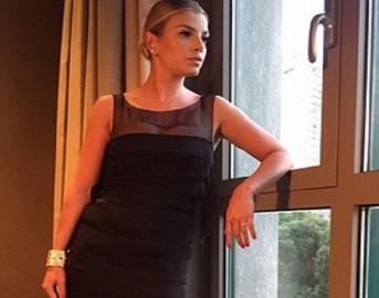 """Emma Marrone Instagram: il coach di Amici 16 in uno scatto inedito e quegli occhi """"sospetti"""" (FOTO)"""