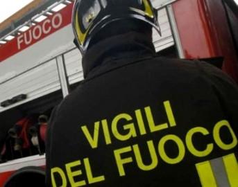 Incendi a Roma: a fuoco il cuore di Ostia Antica e la zona industriale di Acilia