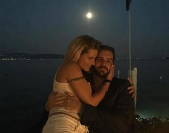 Michelle Hunziker e Tomaso Trussardi: inno all'amore su Facebook