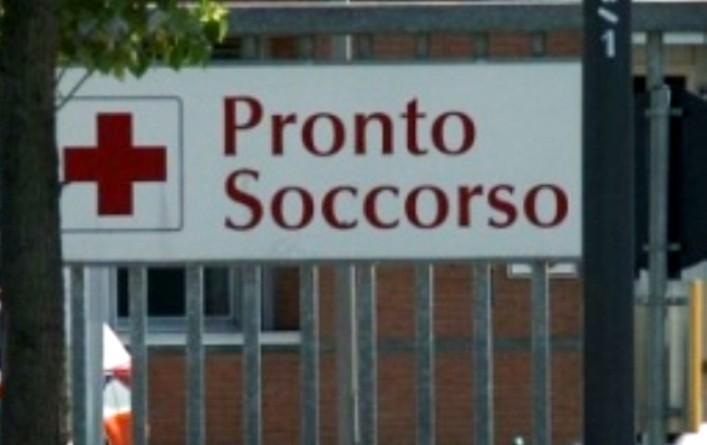 Torino: aghi sparati sui passanti da auto in corsa, cinque feriti