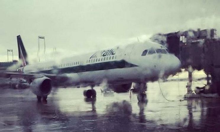 atterraggio emergenza roma