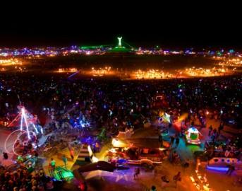 Burning Man festival 2015: l'arte invade il deserto del Nevada