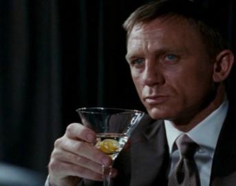 Daniel Craig è il James Bond più ubriacone: troppi Vodka Martini