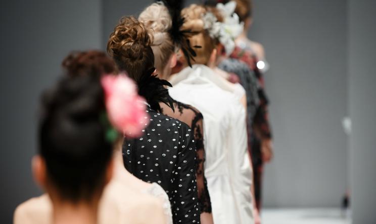 milano fashion week 2015, collezione primavera estate 2016 cavalli, video