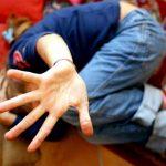 treviso padre violentava figlia e la prestava agli amici