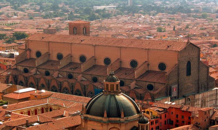 Allarme bomba Bologna
