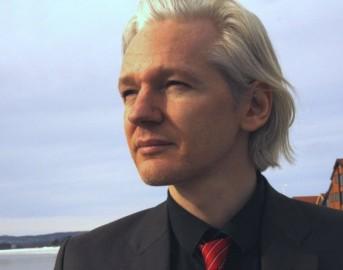 WikiLeaks, Julian Assange accusato di violenza: la Svezia archivia il caso