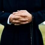 prete denunciato per atti osceni a monza