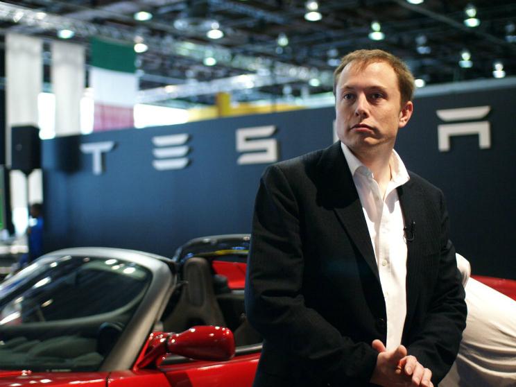 Tesla Motors contro Apple