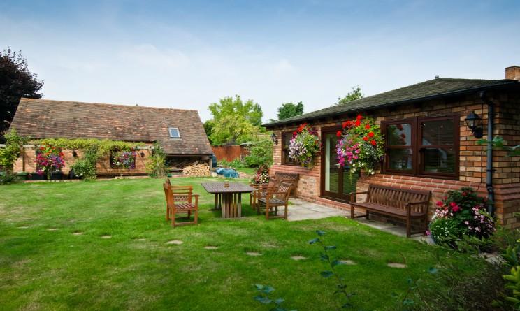 Come progettare un giardino perfetto le 5 regole d 39 oro da - Come disegnare una casa con giardino ...