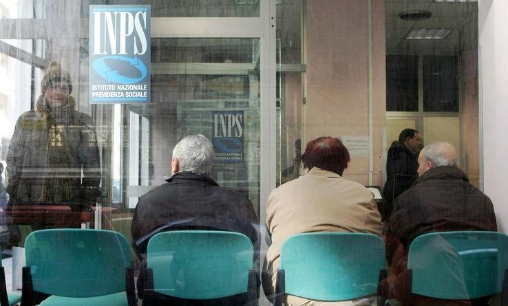 Pensioni, Gentiloni firma il decreto Ape Sociale sulle pensioni
