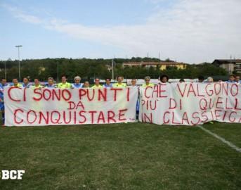 Calcio femminile, ammonite le giocatrici di Brescia e Verona per striscione di protesta