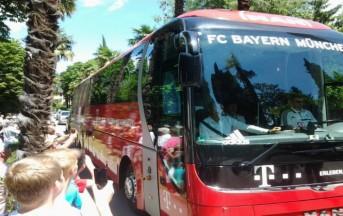 Bayern Monaco, il pullman urta un auto nel tragitto verso l'Emirates: Guardiola su tutte le furie