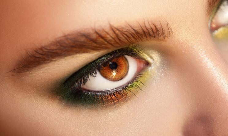 tendenze moda autunno 2015, tendenze moda 2015, trucco per occhi scuri, trucco leggero occhi scuri, trucco per occhi marroni,