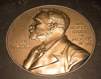 Premio Nobel Medicina 2015, premiati tre scienziati: Campbell, Omura e Youyou Tu