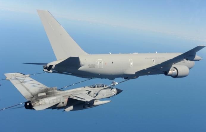 Aereo Da Caccia Tornado : Raid anti isis anche l italia in guerra i caccia