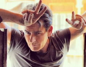 """Charlie Sheen e l'AIDS: nuove rivelazioni , """"Ha pagato per nascondere alcuni filmati"""""""