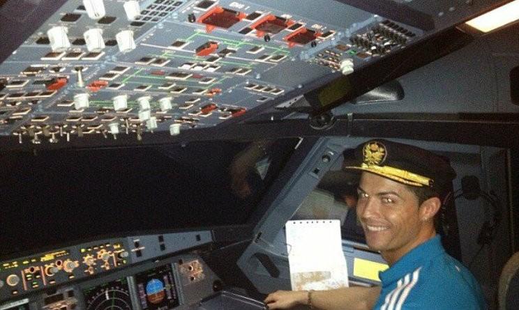 Aereo Privato Interni : Cristiano ronaldo film e follie acquistato jet da