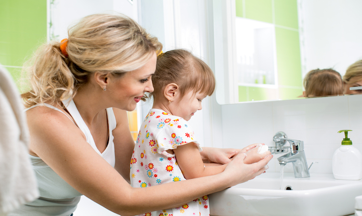 bambini igiene mani denti salute