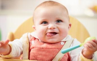 Come svezzare un neonato: dal latte alle verdure