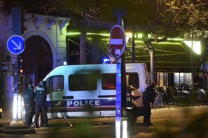 Parigi attacco terroristico news