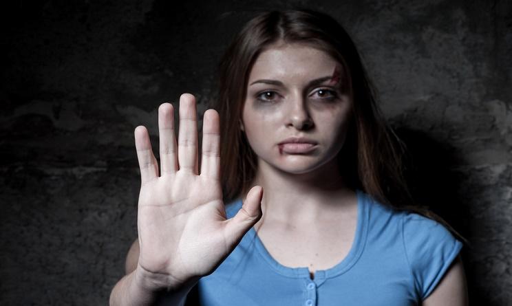 giornata mondiale contro la violenza sulle donne, violenza donne giornata, violenza donne associazioni, violenza donne cosa fare,