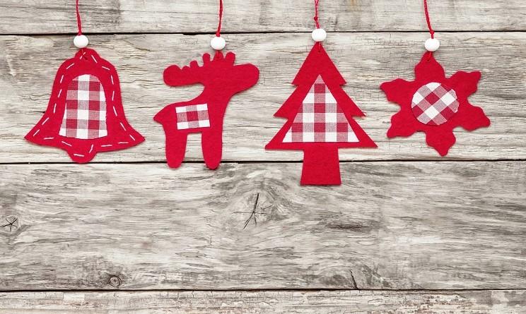 Natale 2015 addobbi fai da te lavoretti originali da fare con il feltro urbanpost - Lavori da fare a casa ...