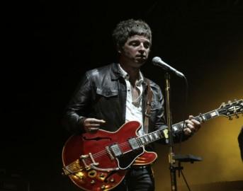 Noel Gallagher Damon Albarn, dall'augurio di morte per Aids alla possibile collaborazione: incoerenza musicale