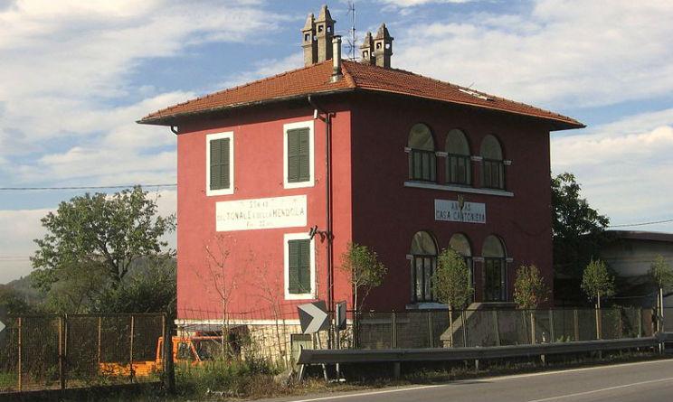 Case cantoniere abbandonate diventano ostelli e locande for Case abbandonate italia