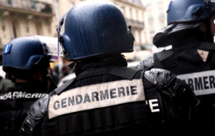 insegnante aggredito a parigi news
