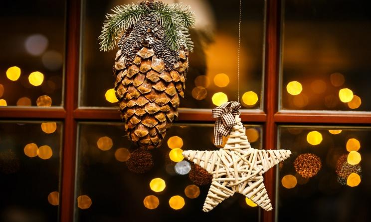 Natale 2015 addobbi casa come decorare le finestre - La casa con le finestre che ridono ...