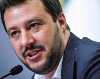 """Elezioni Politiche 2018 data, Salvini contro Berlusconi: """"Voto a maggio troppo tardi, ecco perché"""""""