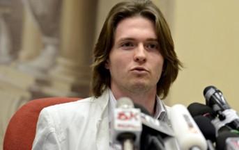 """Omicidio Meredith, Raffaelle Sollecito annuncia: """"Causa ai giudici"""""""
