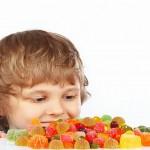 consumo zucchero giornaliero, zucchero nei bambini, bambini sovrappeso cause, bambini sovrappeso cosa fare, obesità infantile cause,