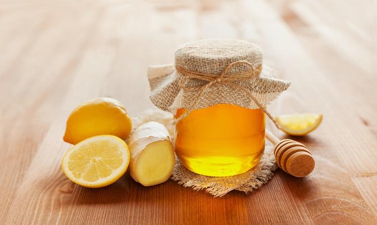 influenza 2016, influenza 2016 come prevenirla, influenza 2016 rimedi naturali, zenzero limone e miele, zenzero limone e miele proprietà, sciroppo zenzero limone e miele, zenzero limone e miele per mail di gola, zenzero limone e miele per raffreddore,