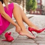 tacchi alti, tacchi altissimi, tacchi fanno male piedi, tacchi alti fanno male, scarpe con tacco alto, scarpe con tacco altissimo,