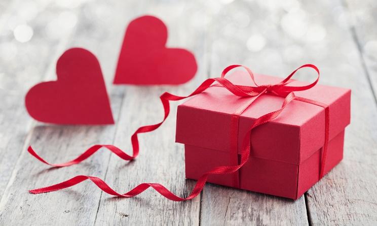 Fabuleux San Valentino 2016: idee regalo originali per lui sotto i 20 euro  TZ89