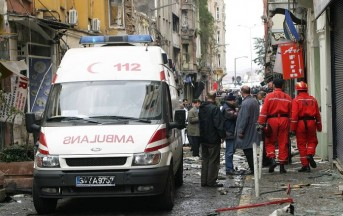 1 maggio: scontri ad Istanbul tra polizia e manifestanti: un morto