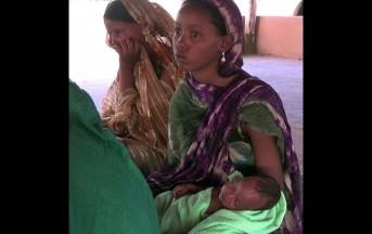 Speciale spose bambine: Fatimata finita a partorire in un campo profughi a 15 anni