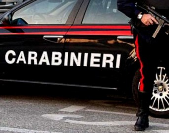 Casalinga denunciata per barzelletta sui Carabinieri postata su Facebook: è accusata di vilipendio