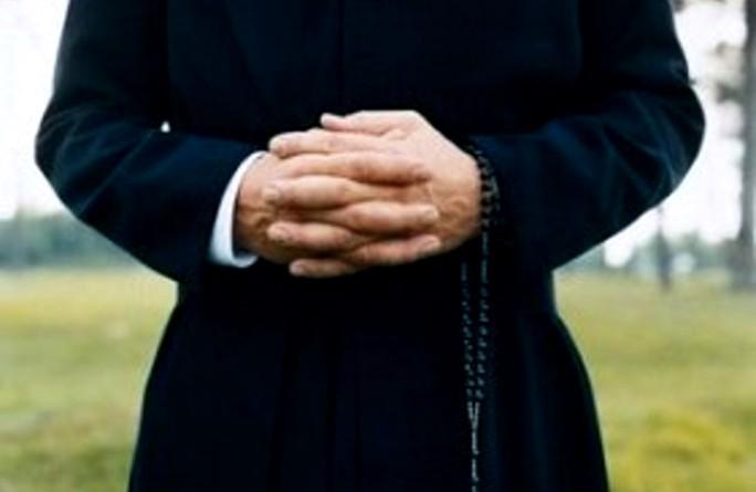 figlio di prete pedofilo