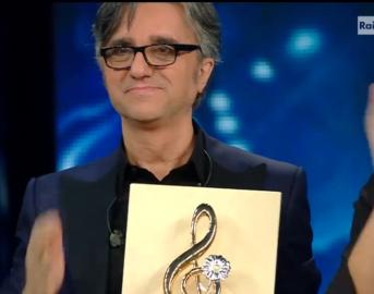Sanremo 2016 finale: Renato Zero delirante, Roberto Bolle so Pop e gli