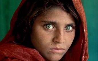 """Steve McCurry in mostra a Pordenone con """"Senza Confini"""": date, orari e info dell'evento"""