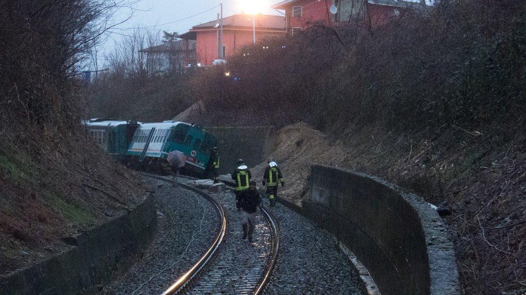 Treno deraglia Biella