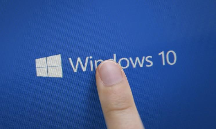 HTC potrebbe presentare un nuovo smartphone Windows 10