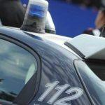PROSTITUTA LANCIATA DA AUTO IN CORSA