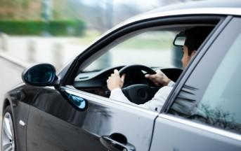 Ritiro patente per chi parla al cellulare alla guida: sarà legge entro l'estate